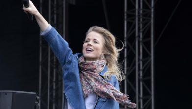 Ilse de Lange tijdens het bevrijdingsfestival in Zwolle