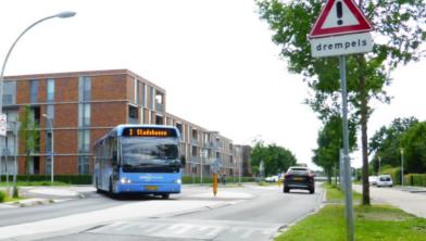 Het CDA wil dat de bus stopt op station Stadshagen