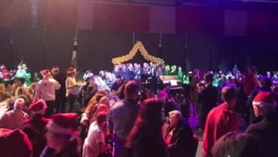 Grote drukte tijdens kerstdiner in de WRZV-hallen