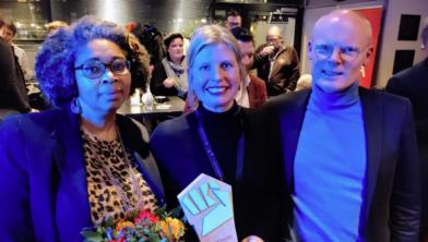 Shirley Kambel en Ellen Meijer samen met PvdA'er Hans Nooter