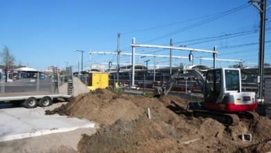 De bouw van het laadstation is begonnen