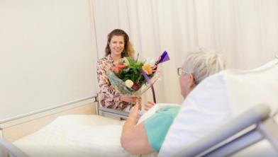 Wie op ziekenbezoek gaat moet voldoen aan een aantal voorwaarden