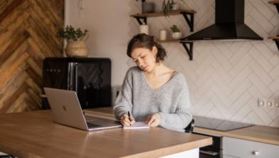 Het thuis werken en studeren moet worden gestimuleerd