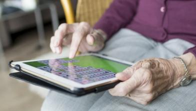 Een spelletje doen op de tablet kan ook, natuurlijk