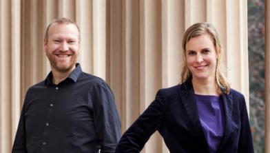 Patrick Pelman met de nieuwe wethouder Dorrit de Jong als opvolger van Klaas Sloots