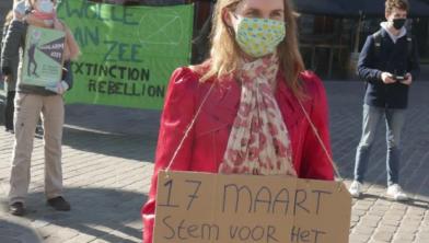Leden van Extinction Rebellion voeren actie voor het klimaat