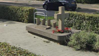 Het monument aan de Meppelerstraatweg