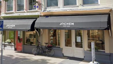 Bij Oogwereld Jochem werd vannacht een ramkraak gepleegd