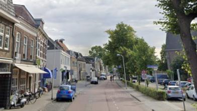 Nieuw asfalt voor de Van Karnebeekstraat