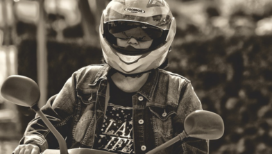 Er komt een helmplicht voor scooterrijders