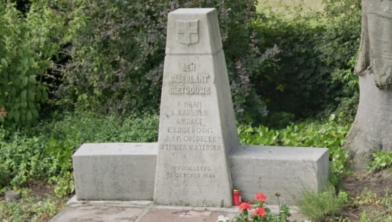 Het monument aan de Haersterveerweg in Berkum