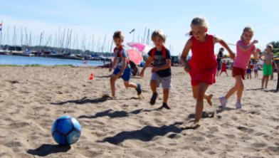 Lekker rennen en spelen op het strand