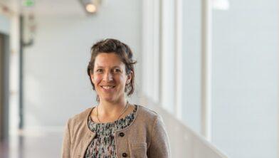 Epidemioloog Alma Tostmann geeft een lezing over COVID-19 en andere infectieziekten