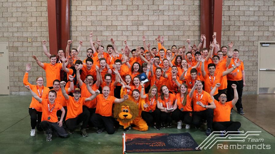 Leerlingen Zwijsen College, onderdeel uitmakend van Team Rembrandts, wereldkampioen in robotwedstrijd - Meierijstad