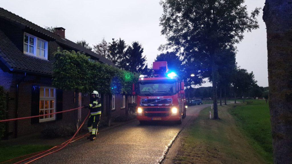 11-09-2019-Schoorsteenbrand-woning-Grootdonkweg-05