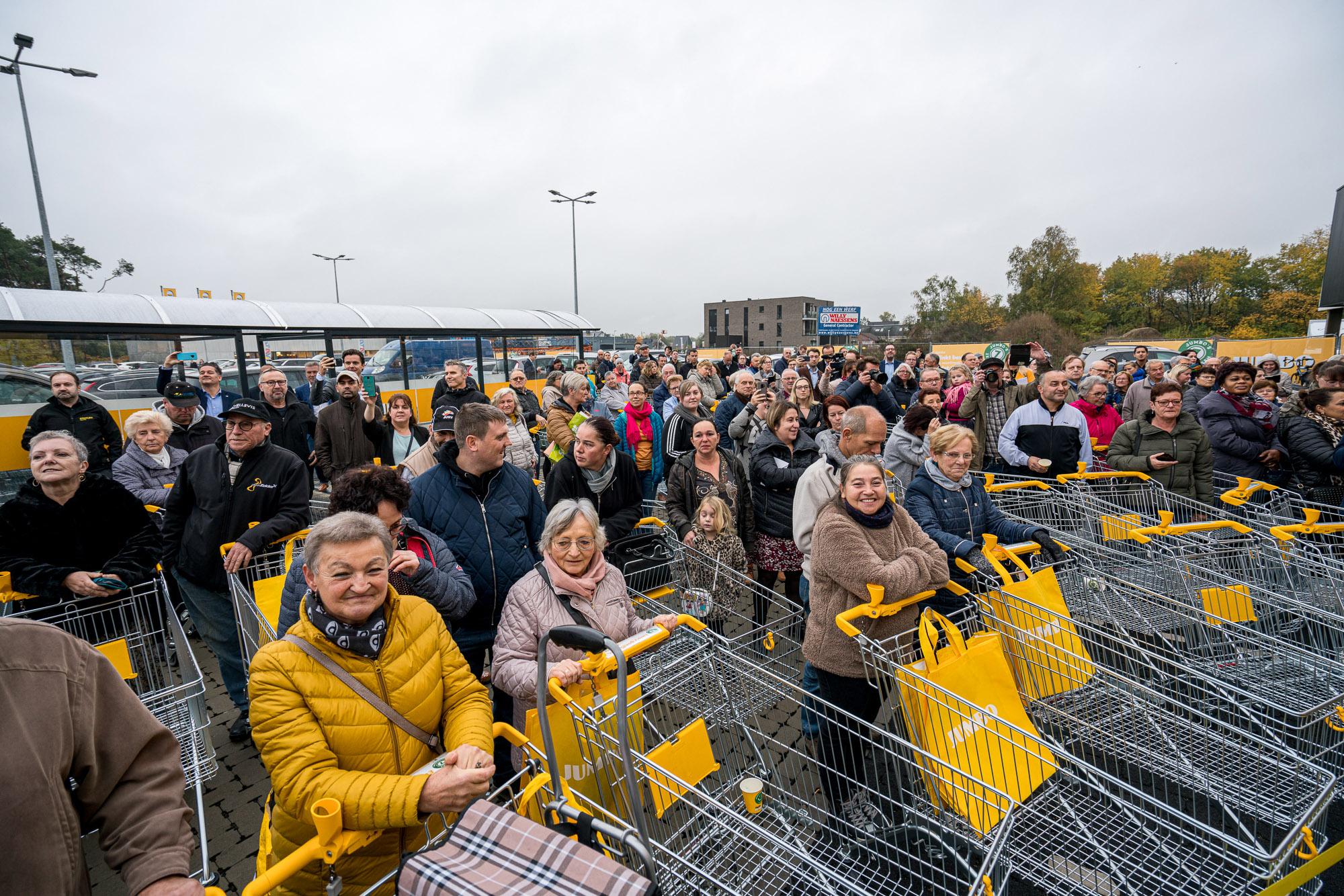 02-Eerste-Jumbo-supermarkt-in-Belgie-feestelijk-geopend