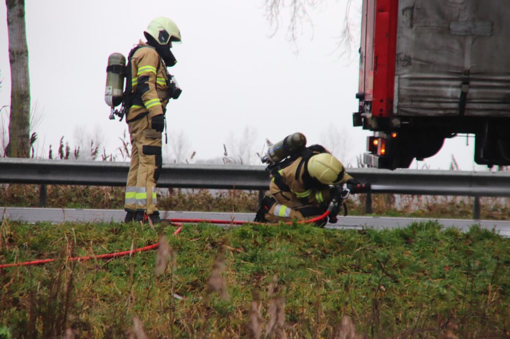 23-12-2019 Vrachtwagenbrand N279 08