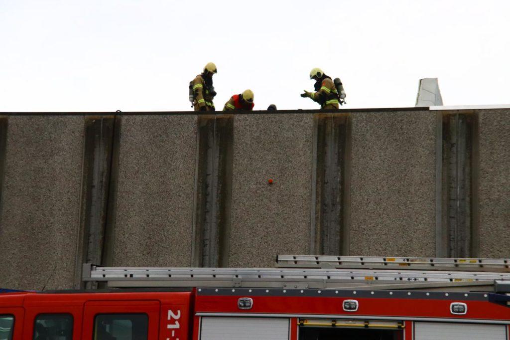 15-01-2020 Brand op dak 03