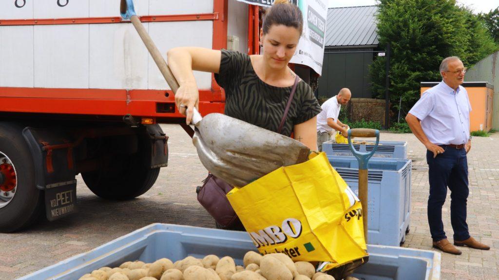 Eerste klant aardappelactie