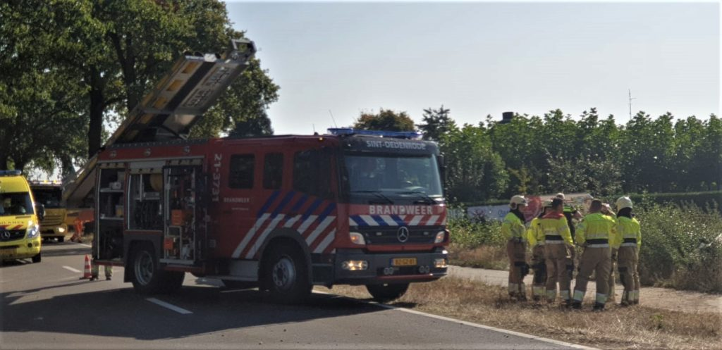 21-09-2020 Auto in Sloot Sint-Oedenrode 02