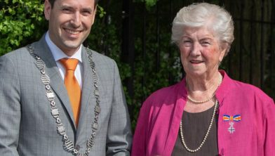 Burgemeester Joerie Minses en mevrouw Jannie van der Meer