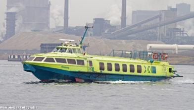 Snelle bootverbinding tussen IJmuiden en Amsterdam die in 2014 werd opgeheven.