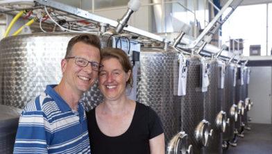 Kees en Roshwita Schouten in hun duurzame Noord-Hollandse Bierbrouwerij