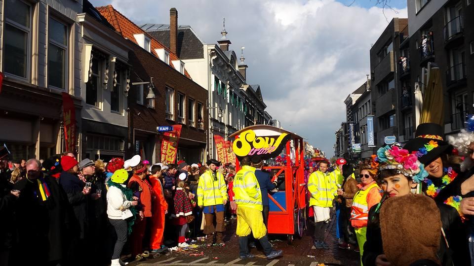Optocht Kielegat Boschstraat 2016