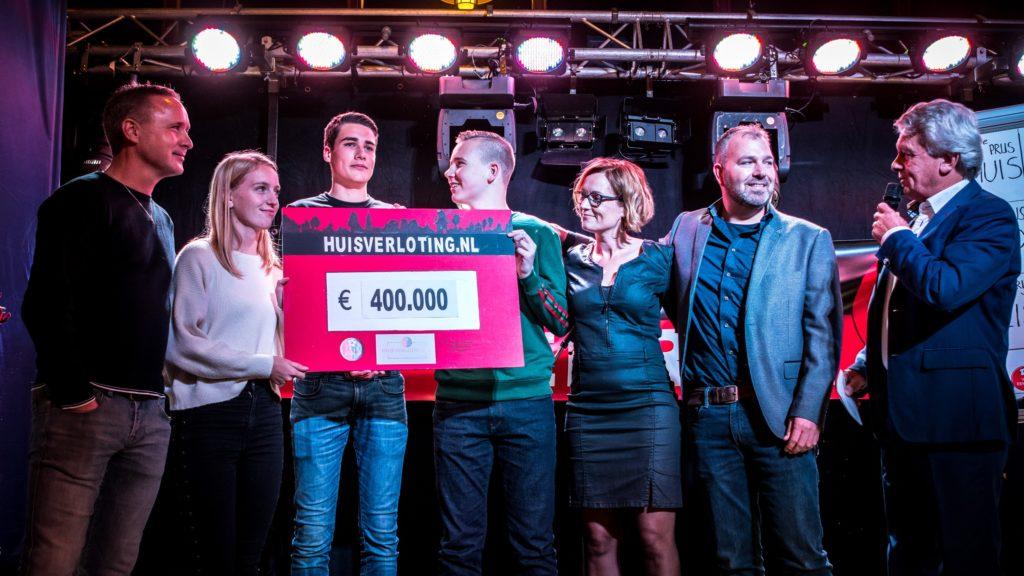 Huisverloting levert VV Eenrum 400.000 euro op; Drachtster ...