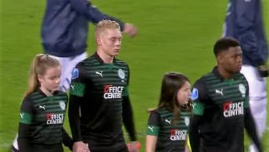 Eind februari maakte Thomas Poll zijn basisdebuut in de uitwedstrijd tegen Willem II.