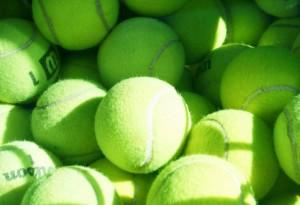 tennisballen  kevinzim  Foter CC BY
