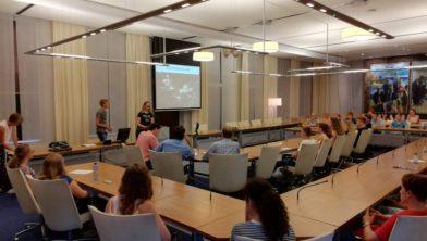 Leerlingen presenteren het project.