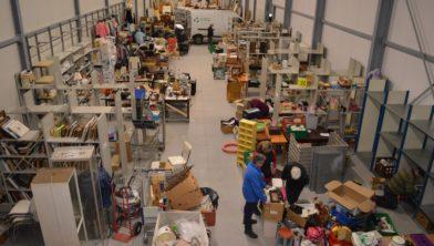Het grote magazijn van de nieuwe kringloopwinkel.