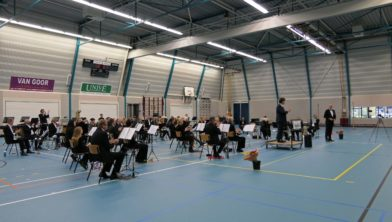 Concert Apolo in sporthal.