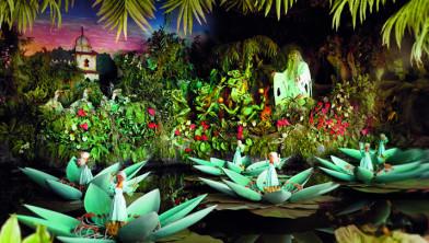 Efteling Viert 50e Verjaardag Van De Indische Waterlelies Dongen