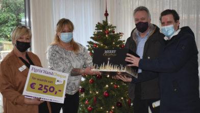 Ook de vrijwilligers van Hospice Dongen ontvingen een cheque en een kerstpakket van Floris'Hand