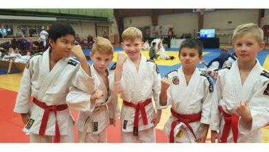 De deelnemende judoka's van judocombinatie Judoclub Made en Team Haragei.