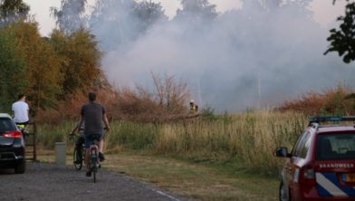Buitenbrand bij boerderij in Bennekom