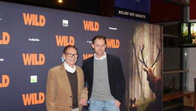 Natuurfilmer Michael de Vries. Rechts op de foto.