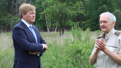 Koning Willem Alexander krijgt info over de visie van het waterbeheer NPDHV