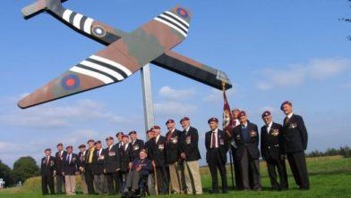Glidermonument: de Horsa Glider, zweefvliegtuig van Britse paratroopers in september '44.