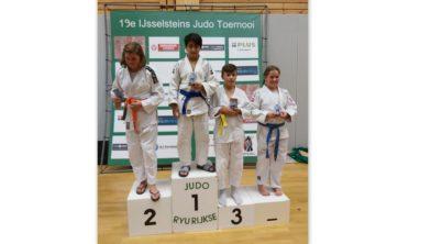 Een trotse Artem met zijn 3e plaats